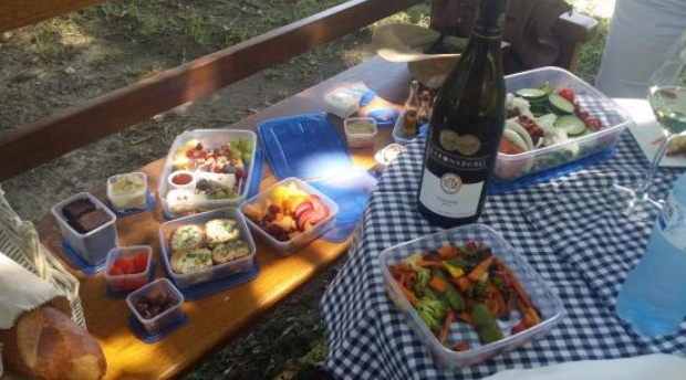 Couples Picnic- Bergsicht Country Cottages